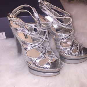 Women's shoes H by Halston size 6.5